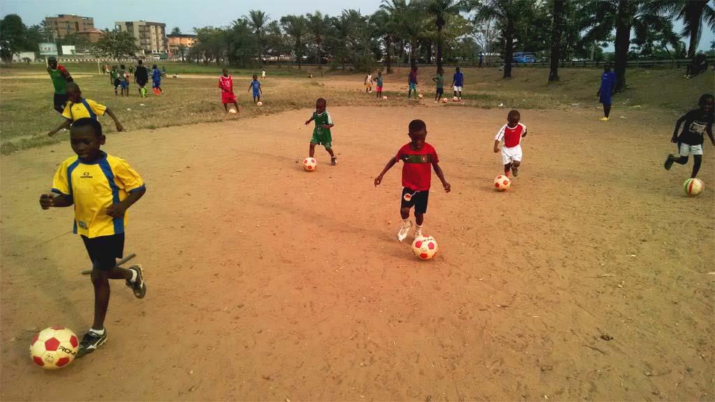 scuola-calcio-camerun